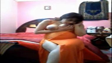 Big boobs desi bhabhi self made phone sex mms!