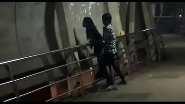 College Students' Public Sex On Mumbai Bridge
