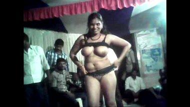 Telugu Aunty's Hot Record Dance In Village