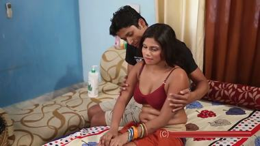 Sexy desi bhabhi body massage spa by masseur