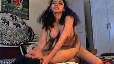 Bangali bhabhi aur neighbor ka hardcore sex tape