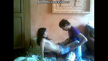 Virgin college girl ke chut chudai ki best xxx porn video