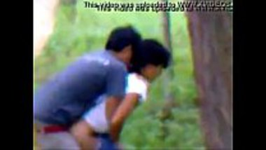 Real MMS of Indian college teen couples hot romance in jungle