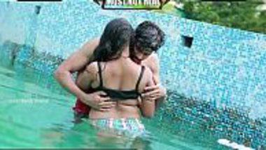 Romantic sexual kissing foreplay of Jija Saali in swimming pool
