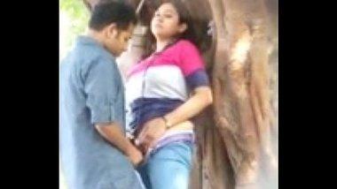 Desi teen lovers ke outdoor chudai se jungle mai mangal
