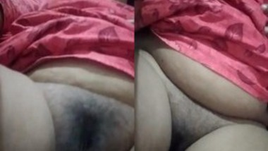 Bhabi Showing Her Pussy
