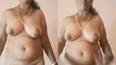 Mature Desi Aunty Nude Video Record By Hubby