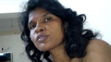 Desi sexy aunty fucking with devar video 2