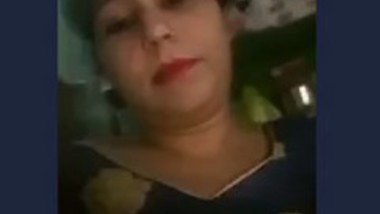 Beautiful bhabi selfie video making