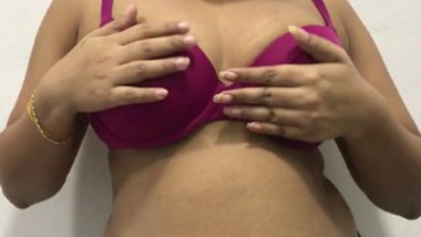Tamil aunty show her big boob