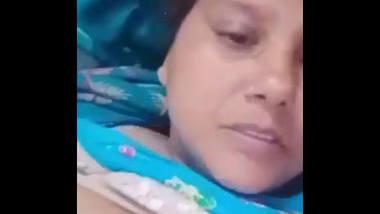 Desi village bhbai show her boob