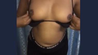 Sri Lankan Girl masturbation