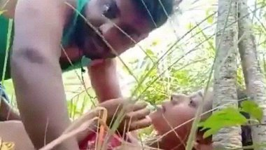 Trapping desi village girl and fucking her outdoor MMS
