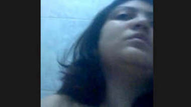 desi aunt nude in washroom and rubbing her fatty pussy
