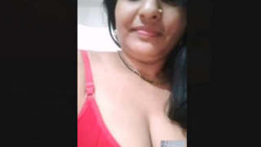 Beautiful Sexy Married Bhabi Showing On VideoCall