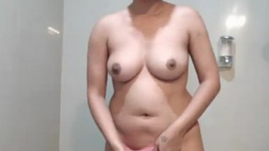 Indian girl in saree on cam show