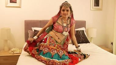 Gujarati XXX Indian Alluring Girl Jasmine Mathur Garba Sexy Dance