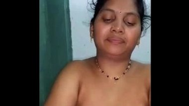 Teaching Handjob To Telugu Aunty
