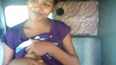 Desi chick allows driver to touch her XXX body parts to take her home
