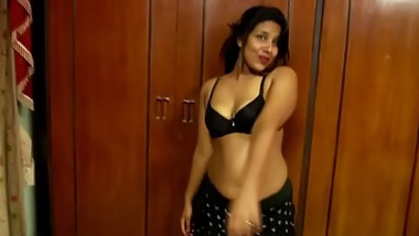 Horny male records his first oral XXX experience with easy Indian girl