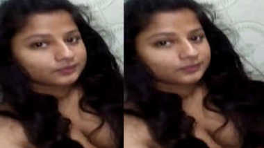 Desi girl has a sex XXX pussy to be masturbated and fingered in shower