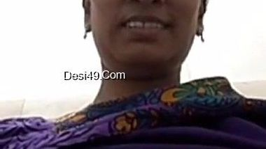 Bored Desi aunty calls the stud to surprise him with big breasts