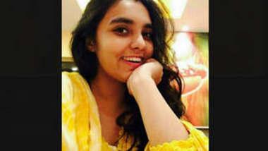 Bangladeshi Beautiful Horny Girl Joyeeta Kuhu 4 More Clips Part 1