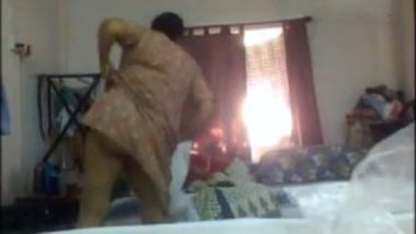 Bengali aunty big ass boobs caught in dress change