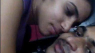 Padoshi bhabhi sexy boobs sucking selfie mms