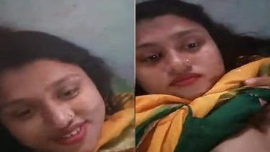 Bangladeshi Bhabhi showing boobs to her boyfriend