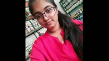 Big Booby Super Cute Sri Lankan Girl with Specs Leaked Videos Part 1