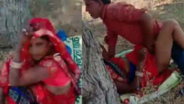 Desi village aunty caught fucking in khet